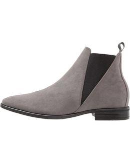 Wintro Chelsea Boots