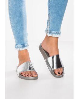 Silverstone Sandals