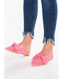 Fox Sandals