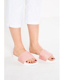 Fango Sandals