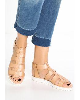 Brody Sandals