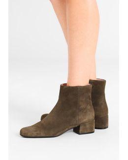 Angelis Boots