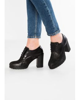 Over 6 Ankle Boots