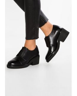 Dancy 6 Ankle Boots