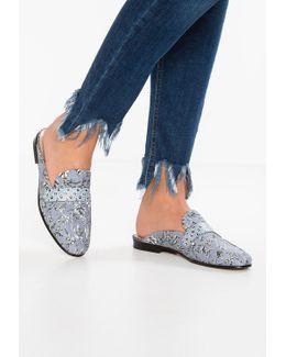 Perri Sandals