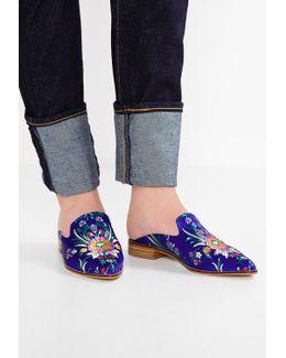 Cantara Sandals