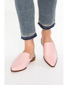 Catara Sandals