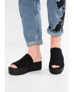 Slinky Sandals