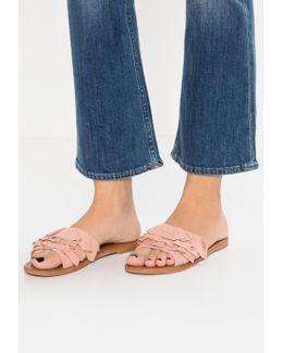 Getdown Sandals