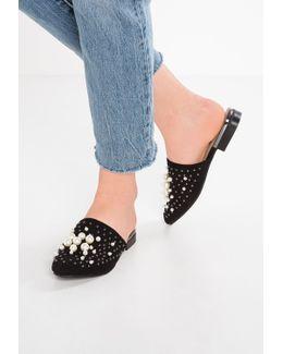Snapp Sandals