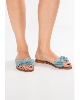 Knotss Sandals