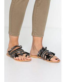 Ripple T-bar Sandals