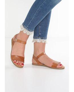 Kondi Sandals