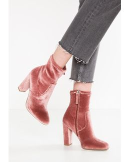 Editt High Heeled Ankle Boots