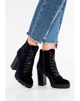 Laurie Ankle Boots
