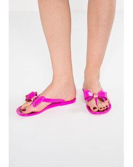 Rueday T-bar Sandals