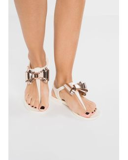 Ainda T-bar Sandals