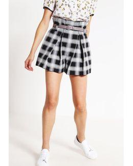Christo Shorts