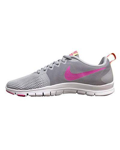 WMNS Flex Essential TR, Chaussures de Fitness Nike en coloris Gris ...