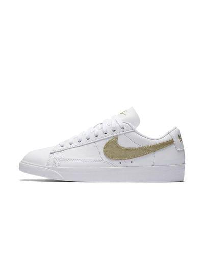 Nike Leather Blazer Low Le Women's Shoe in White - Lyst