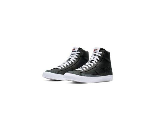 688a4268ca4da Nike Blazer Mid  77 Vintage in Black for Men - Lyst