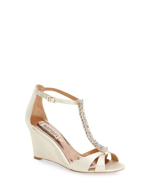Badgley Mischka | White 'romance' Wedge Sandal | Lyst