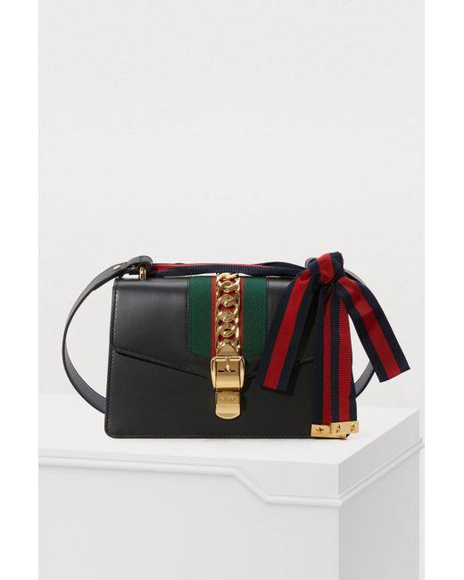 8bc55d62b10 Lyst - Sac porté épaule Sylvie en cuir Gucci en coloris Noir