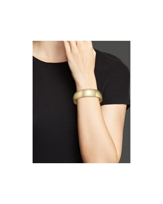 Roberto Coin | Metallic 18k Yellow Gold Golden Gate Wide Bangle | Lyst