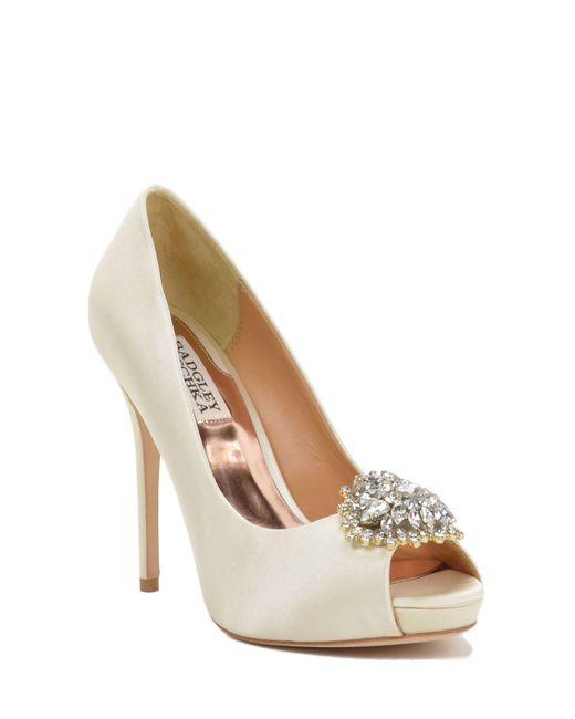 Badgley Mischka | Natural Jeannie Wide-width Peep-toe Pump | Lyst