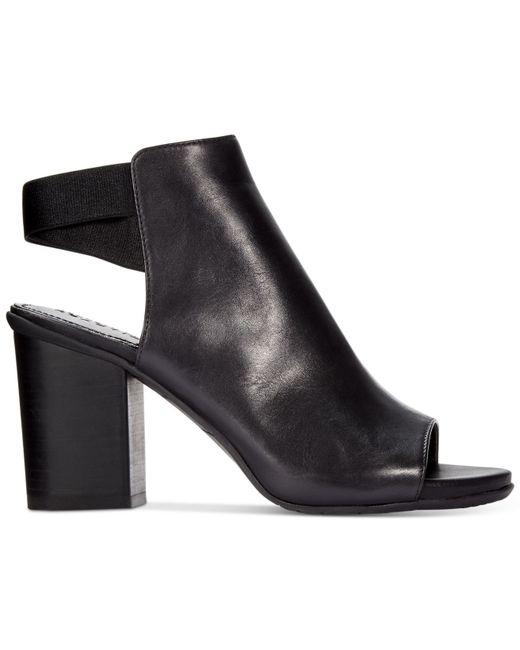 Kenneth Cole Reaction | Black Frida Fly Dress Sandals | Lyst