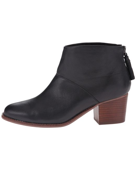 Leila Leather Back Zip Block Heel Booties F49PFmL8NI