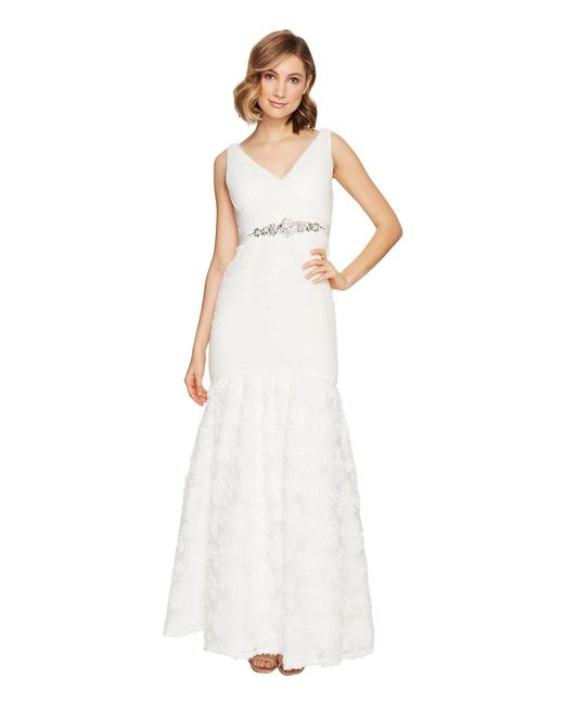 Adrianna Papell - White Sleeveless Tulle Chiffon Petal Gown - Lyst