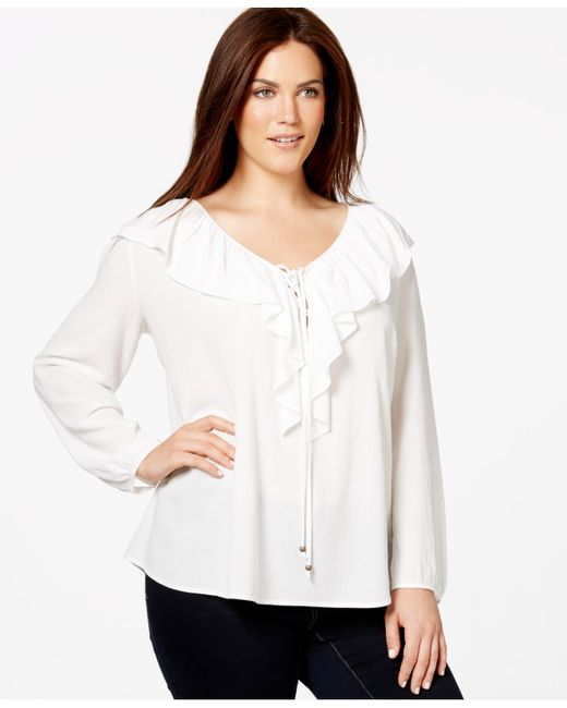 The latest collection of women's blouses include plain blue or white blouses as well as pieces with unique prints. Pick out your favourite for a perfect evening, office or casual look. RUFFLED BLOUSE WITH BOW. BLOUSE WITH EMBROIDERED SLEEVES. EMBROIDERED BLOUSE. COLORS. RUFFLED BLOUSE WITH BOW. MIXED LACE BLOUSE. BLOUSE WITH CONTRASTING.