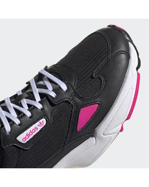 Scarpe Falcon di Adidas in Black