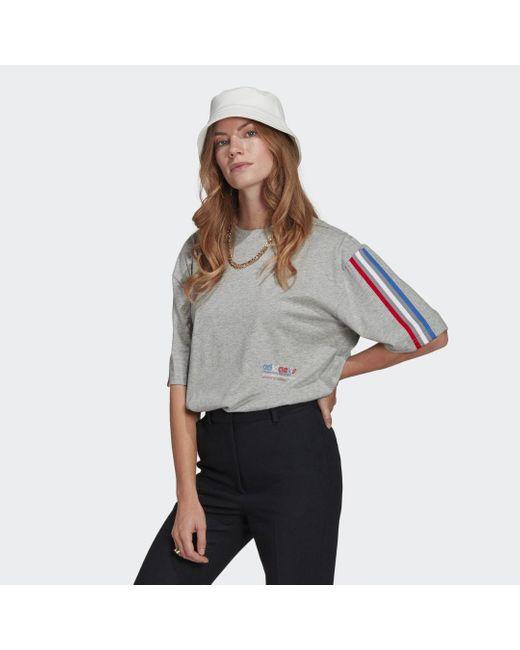 T-shirt adicolor Tricolor Oversize di Adidas in Gray