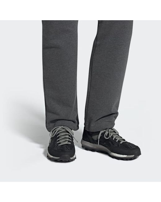 new product 5f9f0 9c366 Men's Black X Undefeated Adizero Xt Boost Shoes