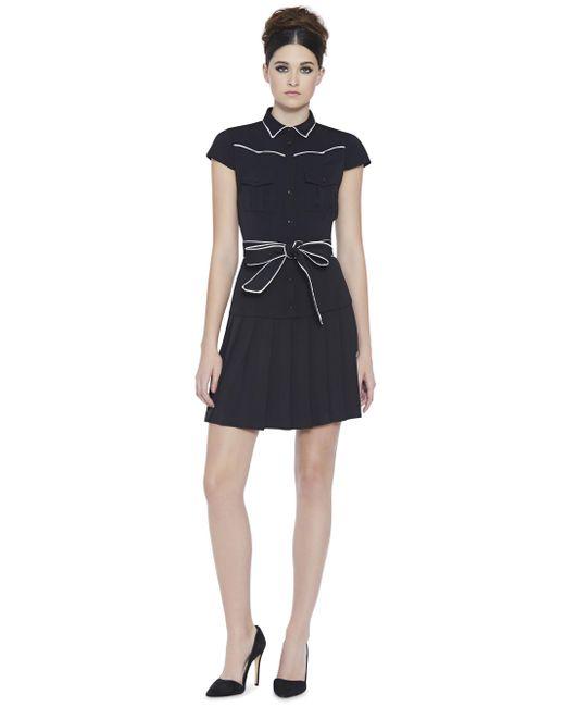 Lyst alice olivia yoko pleated shirt dress in black for Black pleated dress shirt