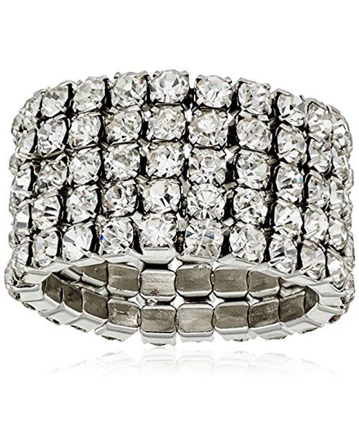 Guess - Metallic Basic Look Of 4 Band Chevron With Stones Ring, Size 7 - Lyst