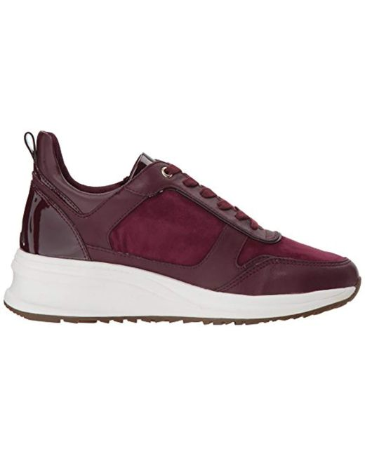 Taryn Rose Womens Zadie Sneaker