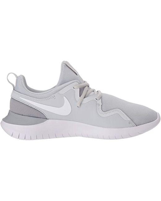 Nike Wmns Tessen Low top Sneakers in White Lyst