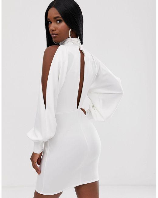 Robe courte drapée à dos nu et coutures apparentes ASOS en coloris White