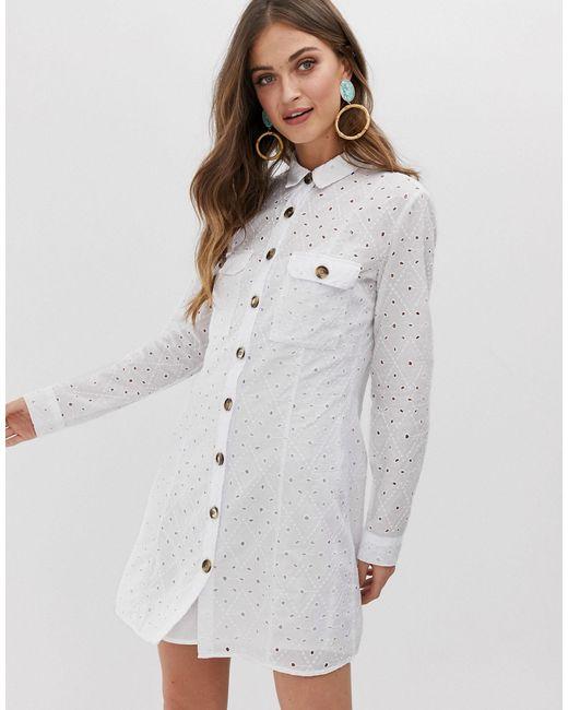 Robe chemise en broderie anglaise Stradivarius en coloris White