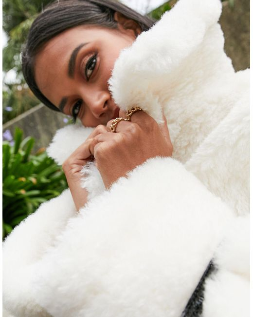 Куртка Авиатор Кремового Цвета С Лакированной Окантовкой ASOS, цвет: Multicolor