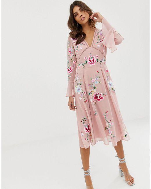 ASOS Geborduurde Midi-jurk Met Kanten Afwerking in het Pink