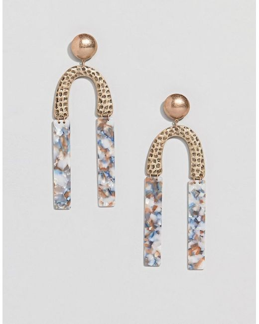 ASOS - Metallic Earrings In Hammered Metal And Resin Shape Design In Gold - Lyst