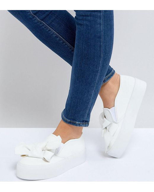 ASOS - White Discovery Wide Fit Bow Flatform Plimsolls - Lyst