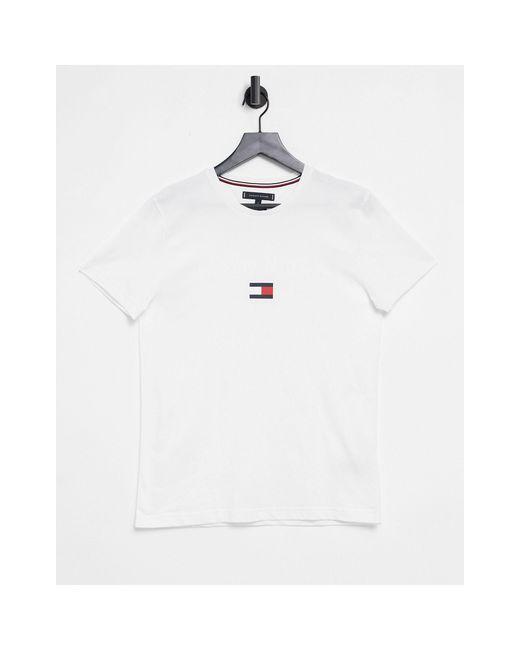 Белая Футболка С Логотипом На Груди -белый Tommy Hilfiger для него, цвет: White