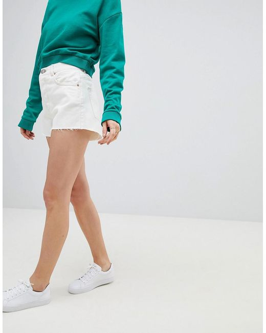 DESIGN denim short with raw hem in white with tobacco stitch - White Asos ZGnDNds