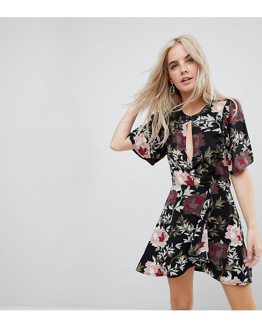 Boohoo - Black Keyhole Detail Floral Dress - Lyst