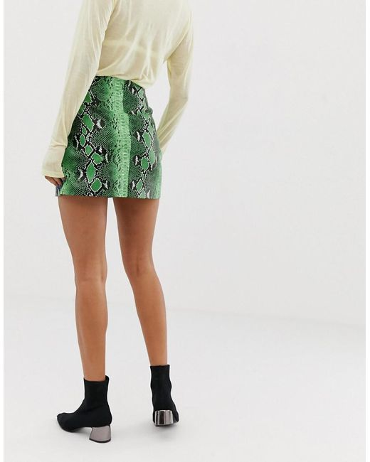 a560a9069 Stradivarius Snake Mini Skirt Pu In Green in Green - Lyst